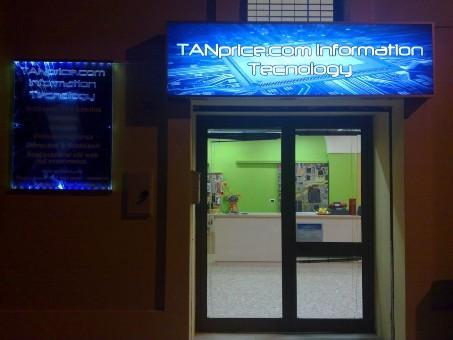 Tanprice.com nasce dapprima come sito web dedicato alla vendita di